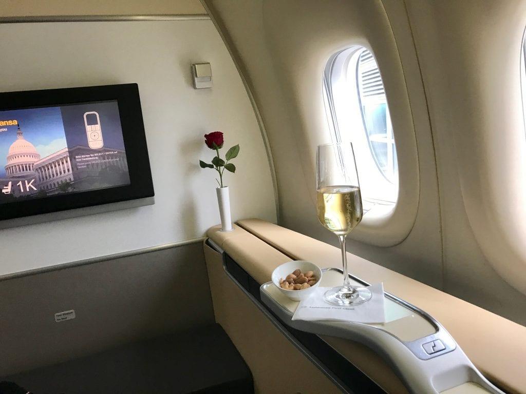 Lufthansa First Class, champagne