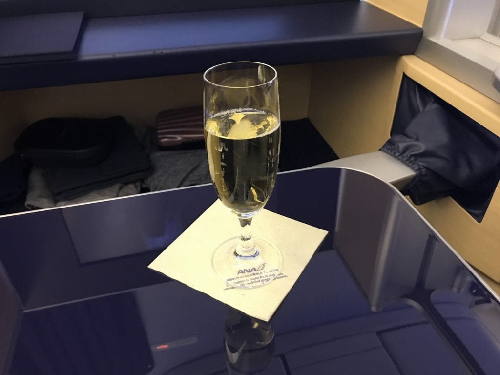 Krug Champagne ombord ANA First Class