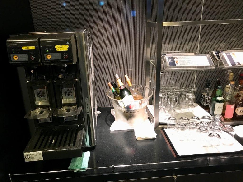 Champagne, viner och sprit, ANA Suite Lounge