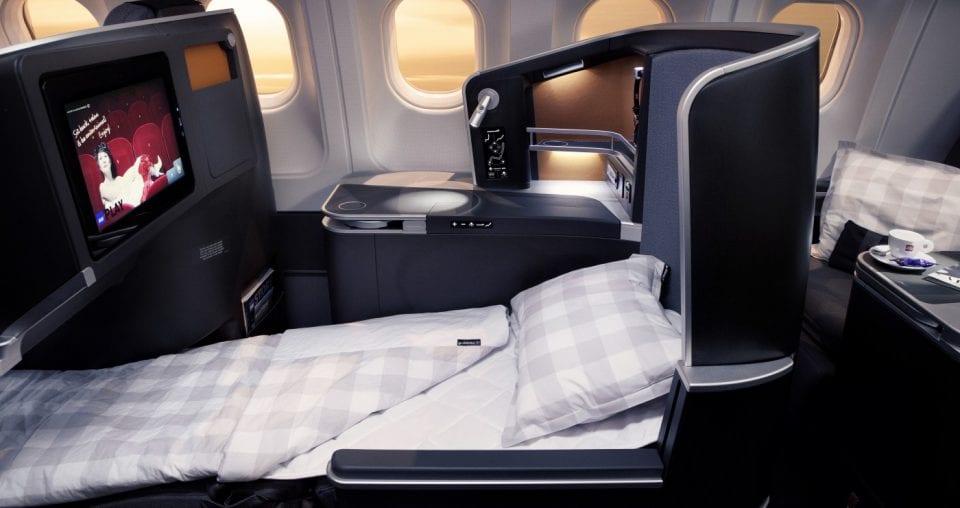 Så här kommer du iväg på minst en business class resa om året – för under 500 kr