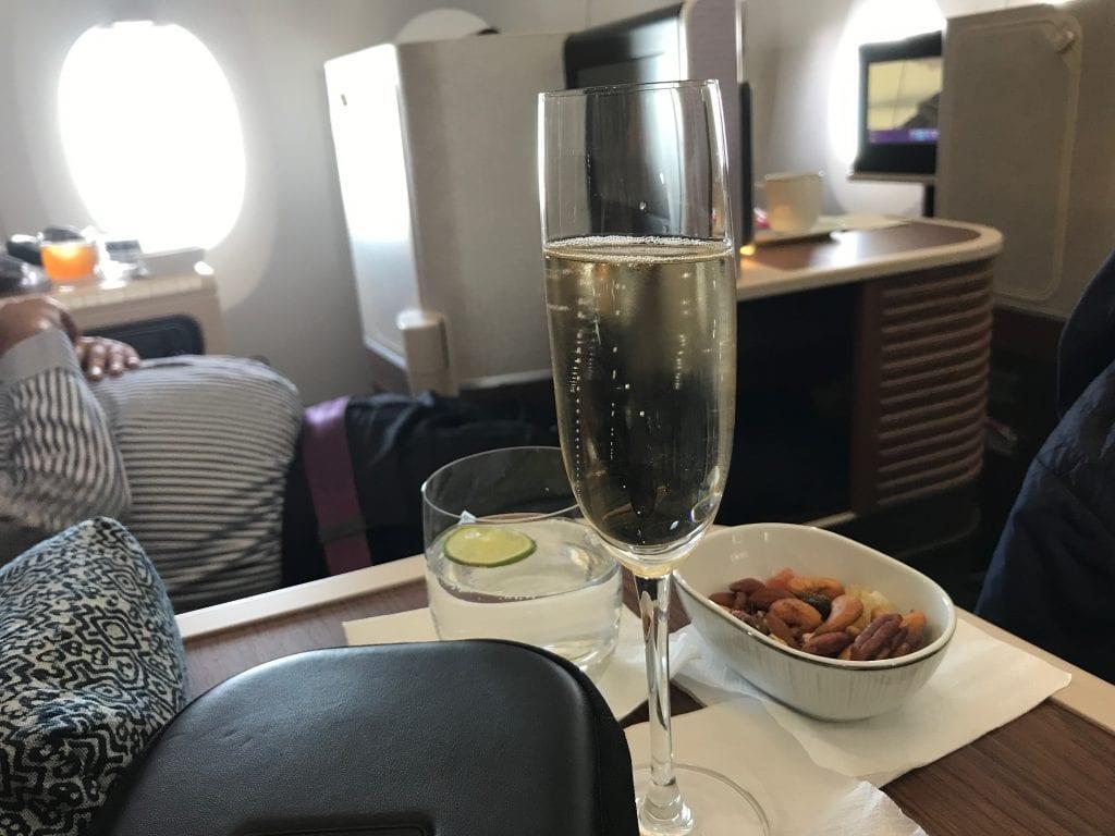 Champagne & nötter efter avgång