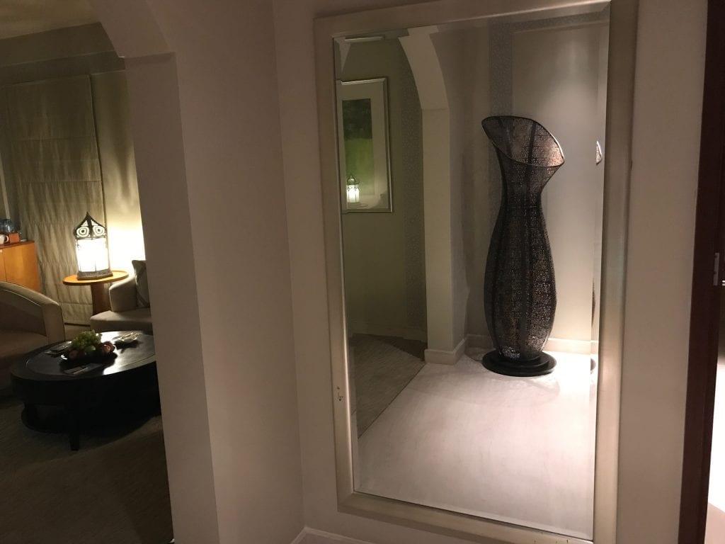 Stor spegel, Park Hyatt Dubai