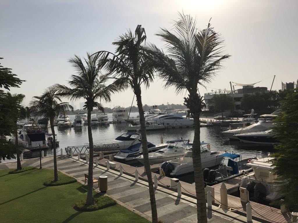 Park Hyatt och Dubai Creek. Mycket lugn och fin omgivning