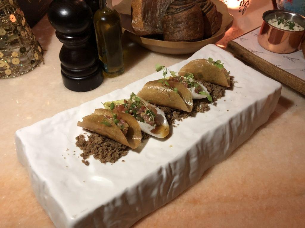 Tonfisk tartar med citrongräsvinaigrette