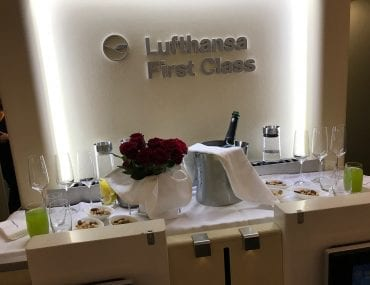 Dryckesuppställning i Lufthansa First Class
