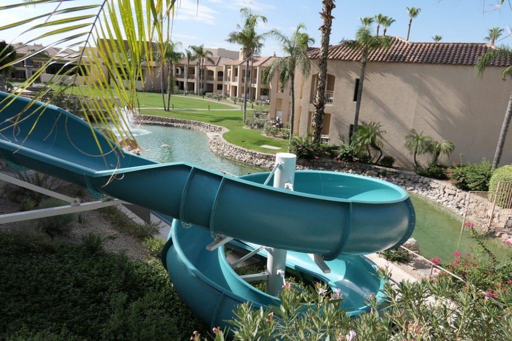 Den tredje och största poolen, The Phoenician