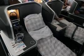SAS Business Class, färdigbäddad säng