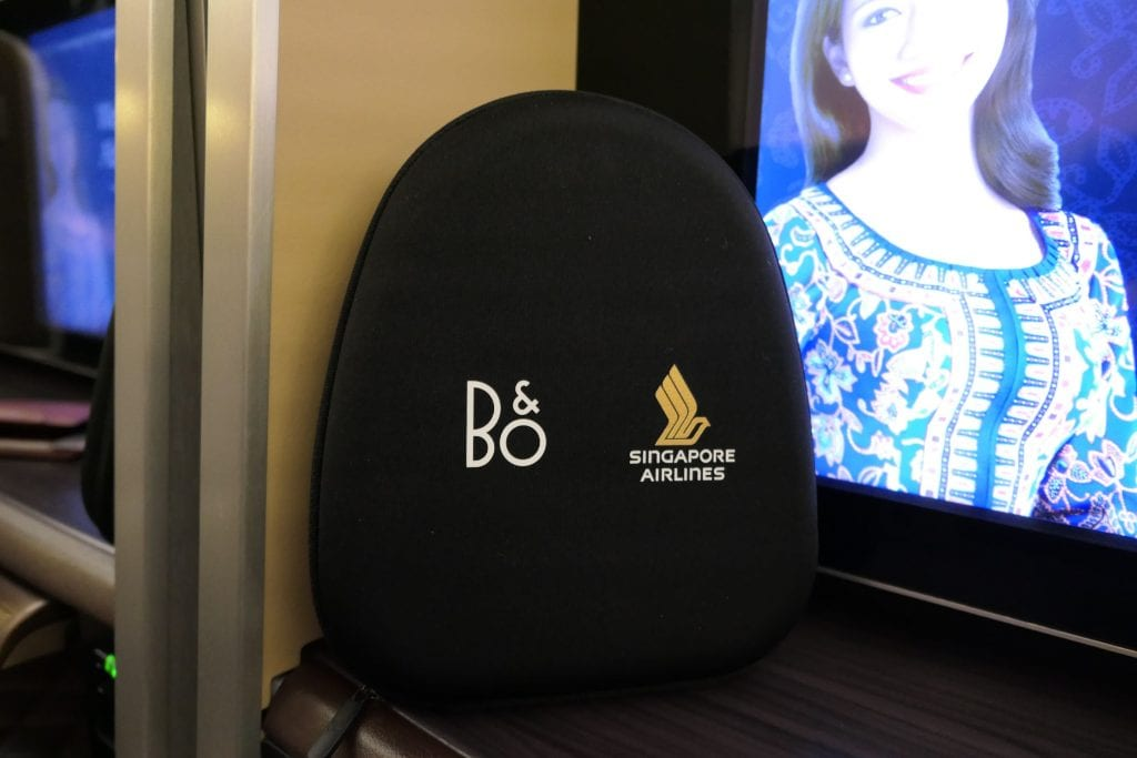 Hörlurar från Bang & Olufsen, Singapore First Class