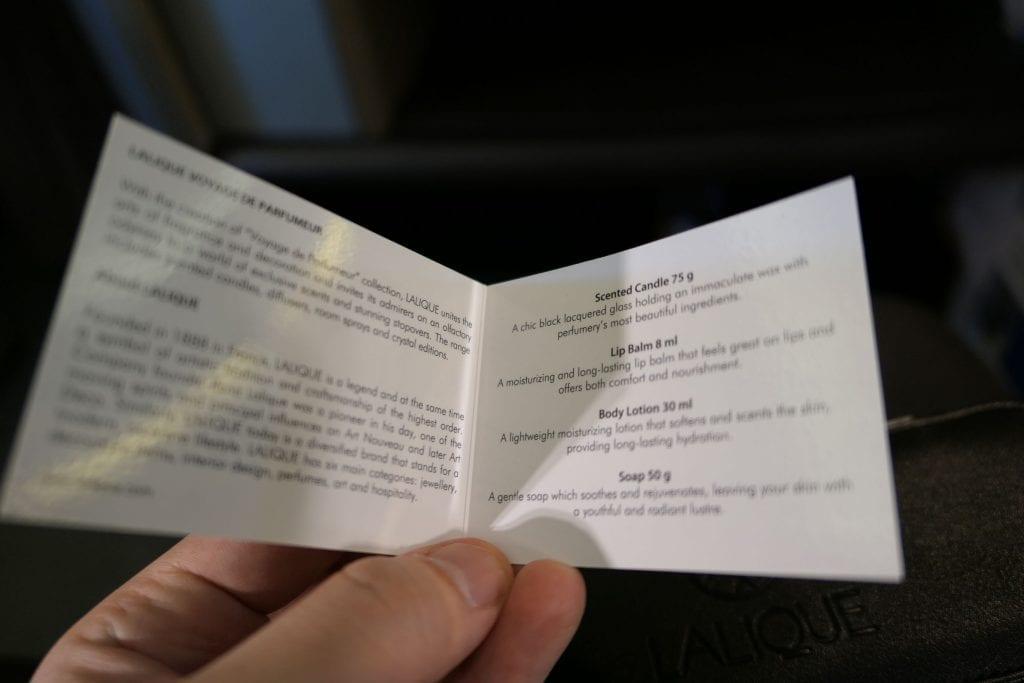 Beskrivning av innehåll i Lalique-necessären